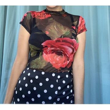 Body z printem w róże
