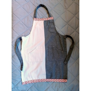 Fartuch dla dziecka haft kieszonki, wiązany