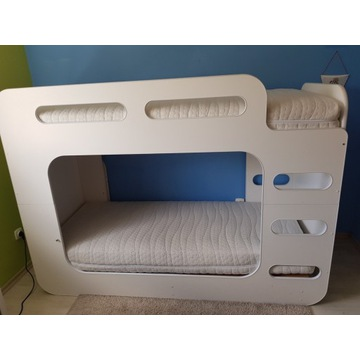 Łóżko piętrowe nowy materac