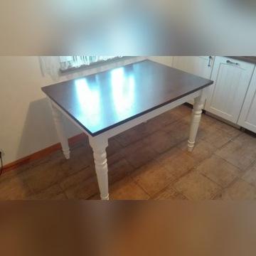 Stół dębowy w stylu prowansalskim
