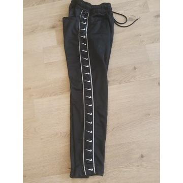 NIKE spodnie dresowe XS