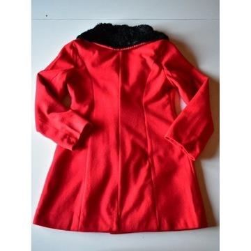 Czerwony elegancki płaszcz M złote guziki