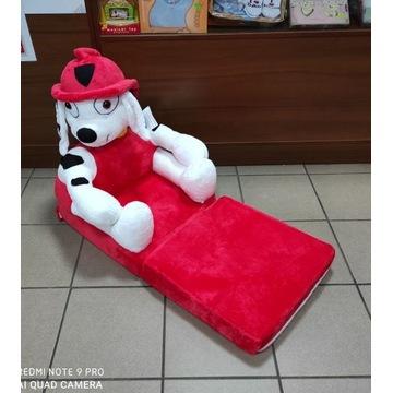 Pluszowy fotel rozkładany