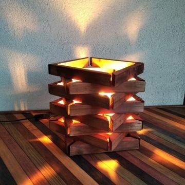 Lampka nocna z drewna nastrojowa całkiem ładna