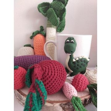 Kubek dinozaur modelina Warzywa szydełkowe
