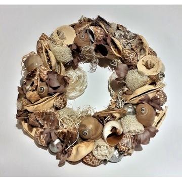Wianek z muszli i suszu z masą perłową Handmade