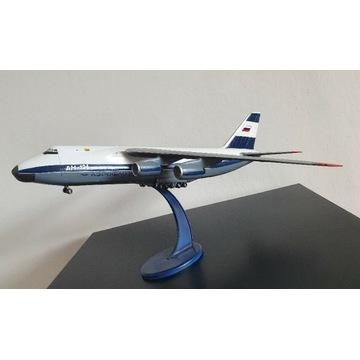 Antonov an-124  skala 1:144 . Unikat Aeroflot 1998