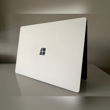 Surface Laptop 1769 i7 8GB 256GB