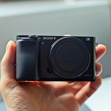 Sony A6000, praktycznie nowy! Obiektyw 1,8/50mm