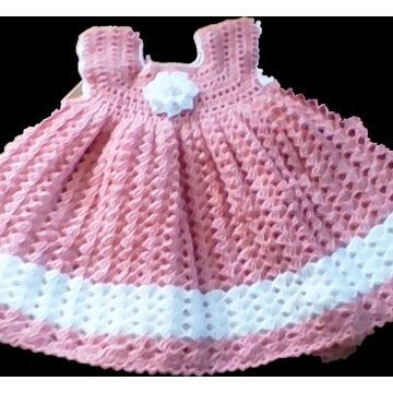 sukieneczka szydełkowa