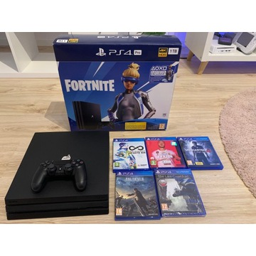 PlayStation 4 pro 1TB + 5 gier PS4