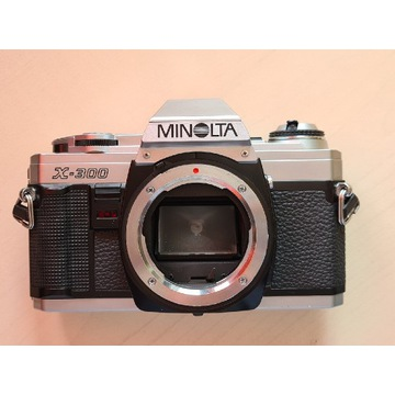 Minolta X-300 aparat analogowy lustrzanka