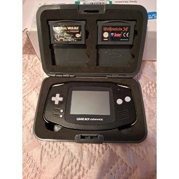 Gameboy Advance w orginalnym futerale