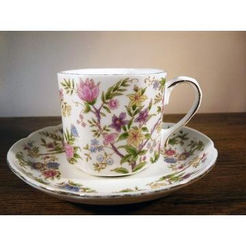 Porcelana Vintage filiżanka i spodek łączka