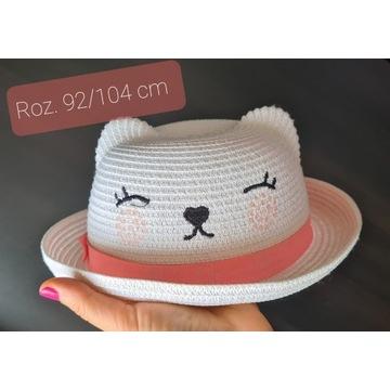 Biały letni kapelusz kotek roz 92 / 104