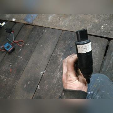 Pompa spryskiwaczy ksenonów