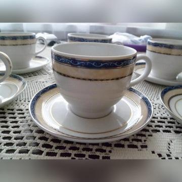 Porcelanowy zdobiony serwis do kawy lub herbaty