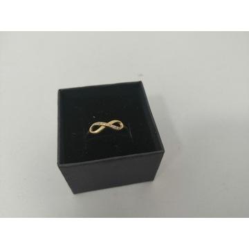 Złoty pierścionek- próby 333, 1.08 gr