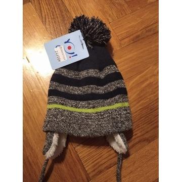 Śliczna czapka zimowa  z pomponem 42-44cm