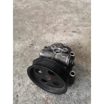 Pompa wspomagania Ford Fiesta MK6 1.3