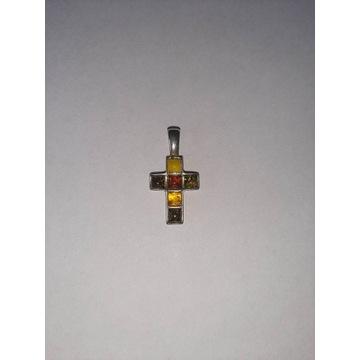 Srebrny krzyżyk wisiorek z bursztynami 925 próba