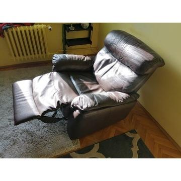Skórzany fotel z funkcją relax w kolorze brązowym