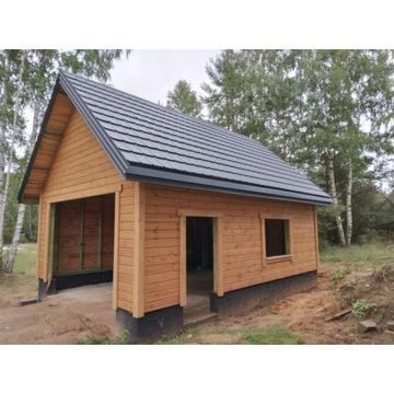 Domek letniskowy lub garaż drewniany z poddaszem