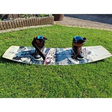 Deska wakeboard z wiązaniami