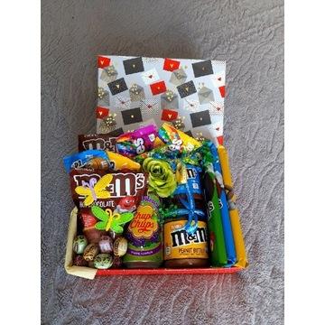 Pudełko pełne słodyczy sweet_boxy