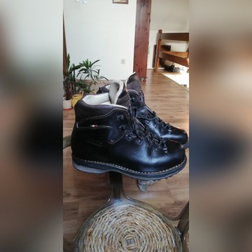Buty górskie ze skóry licowej ZAMBERLAN LATEMAR