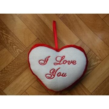 """Serce zamszowe z napisem """"I love you"""""""