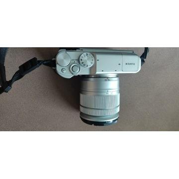 Fujifilm X-A10 korpus + obiektyw bezlusterkowiec