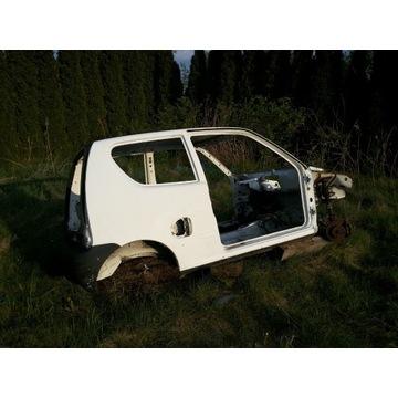 Fiat SEICENTO Cala karoseria 99r dach progi Ok BYD