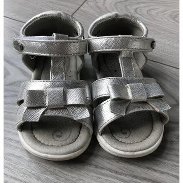 Sandałki rozm 22 srebrne