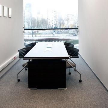 Elegancki stół konferencyjny