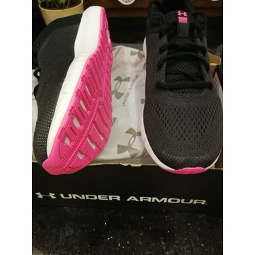 Under Armour W MICRO G PURSUIT Czarne r.39-25cm