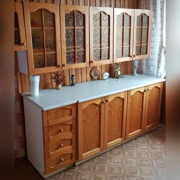 Kuchnia, szafki kuchenne stojące i wiszące