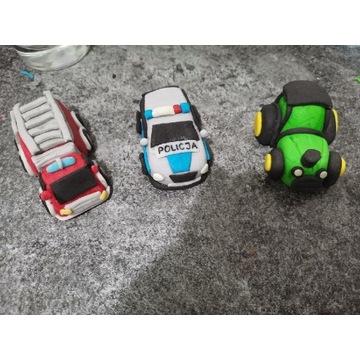 Zesatw 3 autek z masy cukrowej na tort