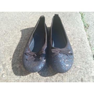 Buty dla dziewczynki.