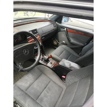 Mercedes- BENZ C 220 D