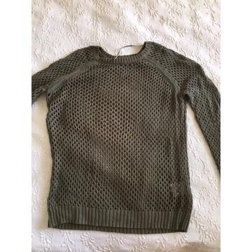 Ażurowy sweterek marki GINA Tricot rozm. S