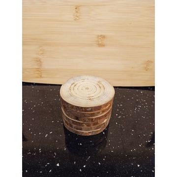 Podkładka podstawka drewniana- średnica 8cm.