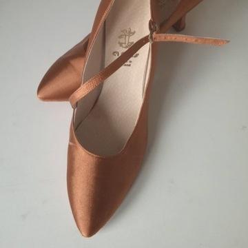 Buty do tańca STANDARDU, firma ARTIS, rozmiar 38.
