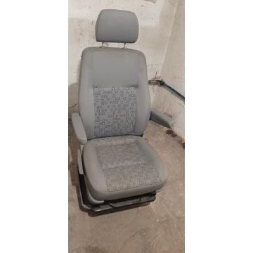 Fotel VW T5 T6 przedni