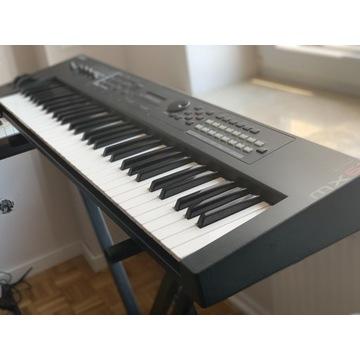 Syntezator Yamaha MX 61