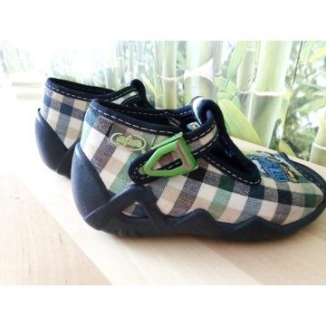 2 pary bucików kapci r.20 + sandały Ecco gratis!