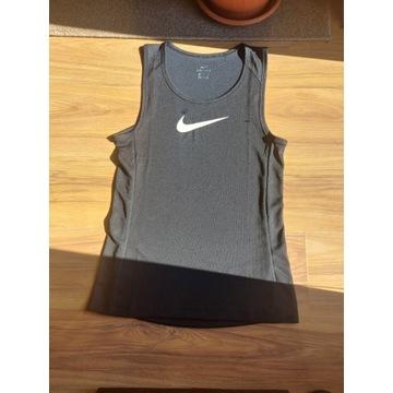 Podkoszulek Nike Nowy