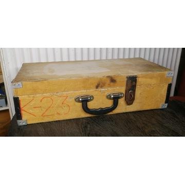 Stara skrzynka drewniana z pokrywą 490x220x140mm