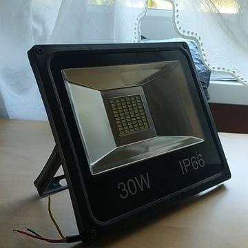 Halogen Lampa Naświetlacz Led 30W Ip66