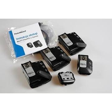 3 x Pocket Wizard Flex TT5, 1 x AC3, 1 x TT1